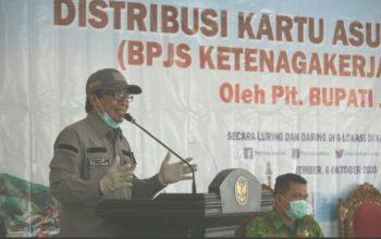 Lindungi Masyarakat Nelayan, Pemkab Jember Beri Bantuan Jaminan Sosial