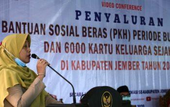 Lanjutan Bantuan Sosial untuk Masyarakat Terdampak Covid-19 Disalurkan